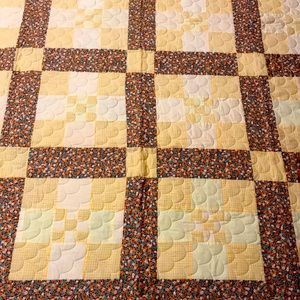 """VINTAGE SPRING TIME QUILT, 70"""" BY 86"""" EUC"""